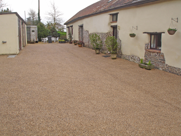 permeable surface chippings
